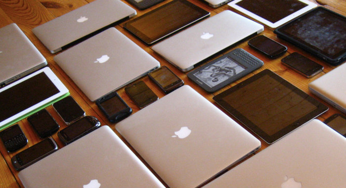BYOD vs. CYOD – Managing devices in the workplace